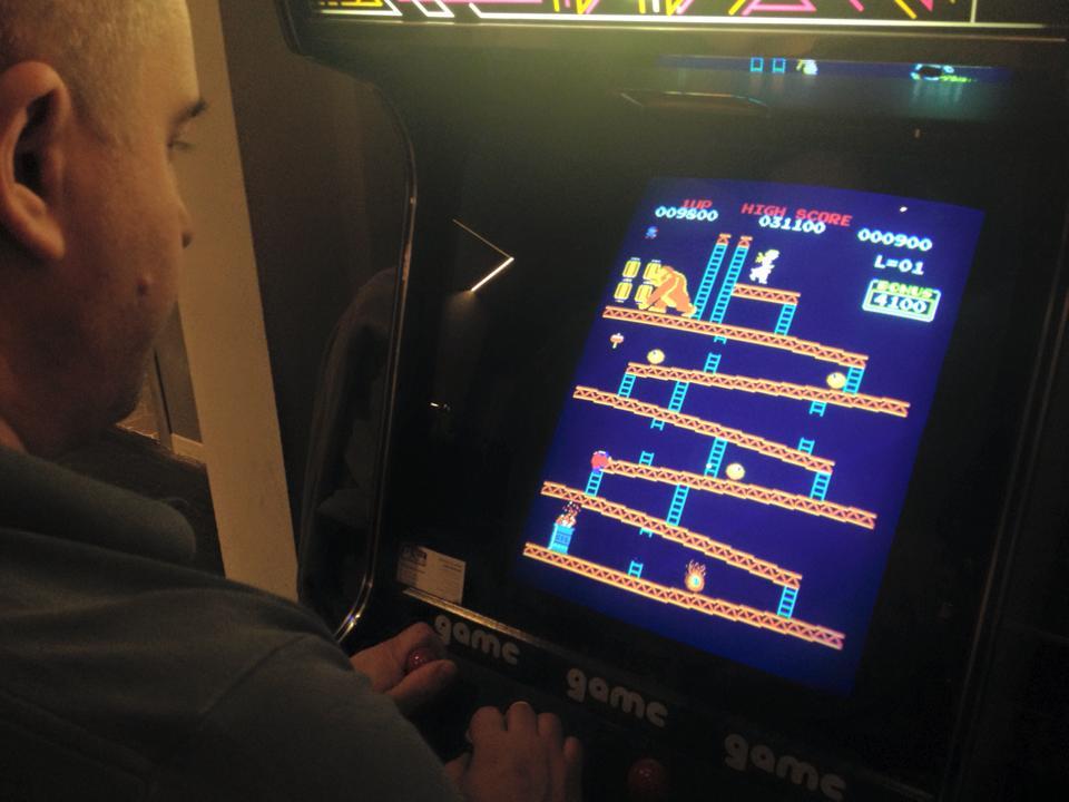 Retro Futuro - Donkey Kong Arcade